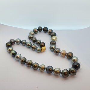 Pearl Necklace with Natural Black Tahiti