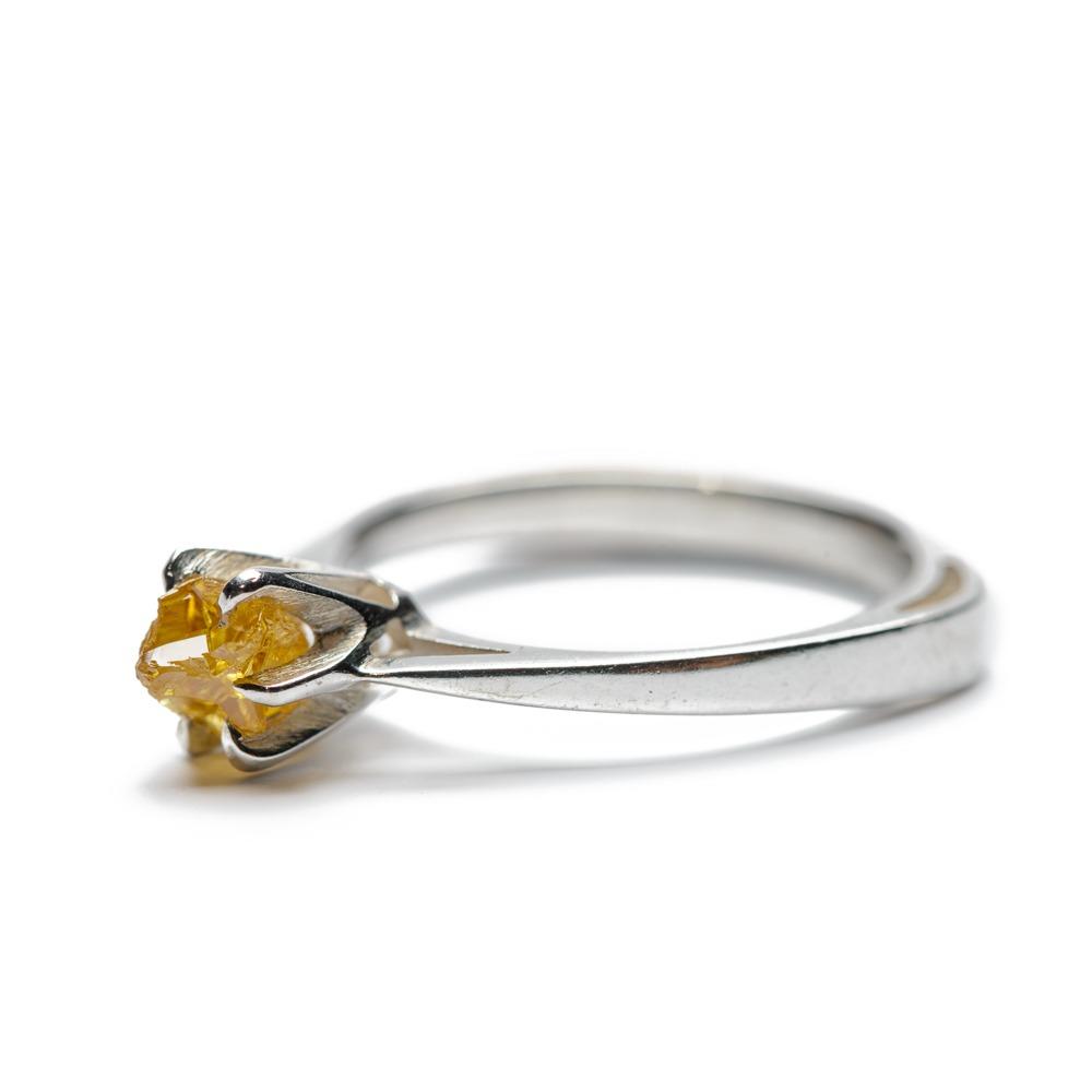 Diamond Claw Ring - Yellow